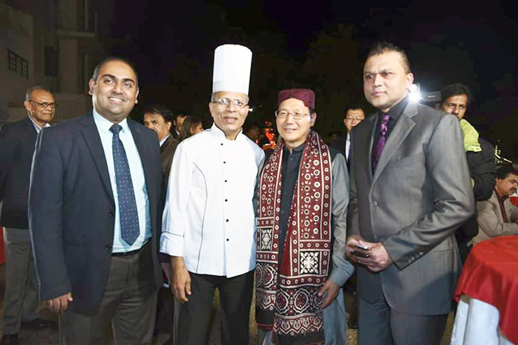 Beach Luxury Hosts   Dinner Reception Honoring Chinese New CG