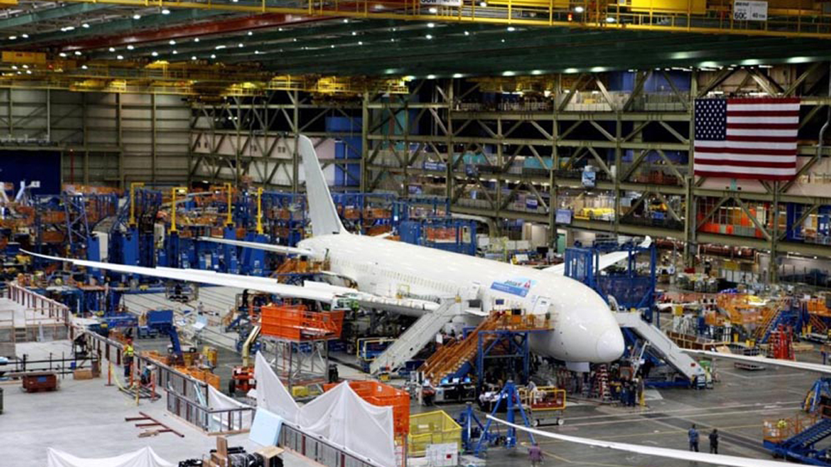 Airlines In Freefall   Boeing To Cut 787 Dreamliner Production