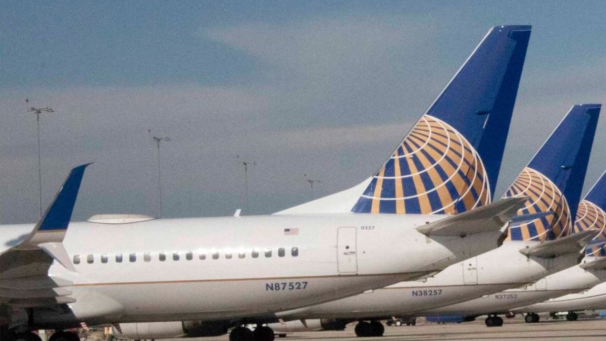 Preparing For The Worst |  United Airlines Loses $2 Billion In 1st Quarter